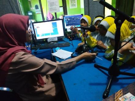 Siaran Radio Siswa TK ABA Trisigan