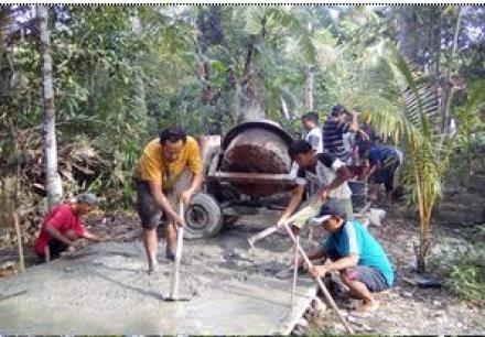 Gotong Royong Cor Blok Jalan Piring I Murtigading