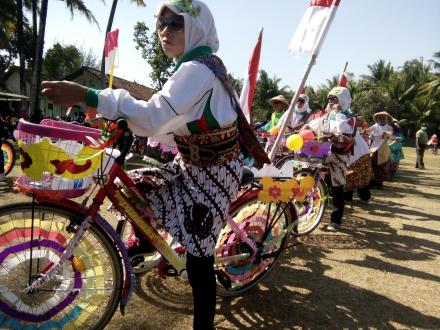 Meriahnya Lomba Sepeda Hias di Kecamatan Sanden