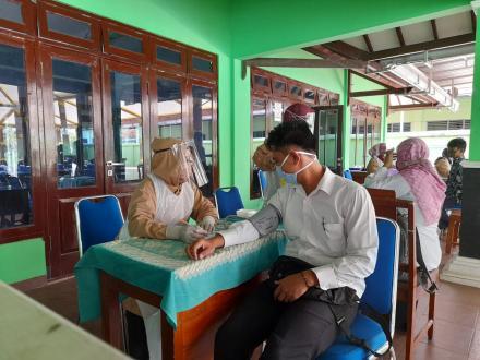 Pemeriksaan Kesehatan Calon KPPS Desa Murtigading