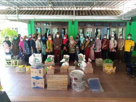 Penyerahan Bantuan Alat dan Bahan UMKM Murtigading