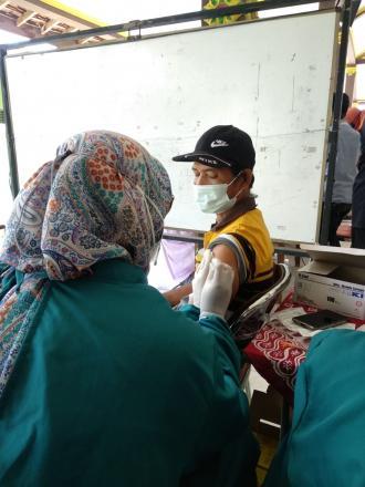 Vaksinasi Sinovac Dosis 1 di Pendopo Kalurahan Murtigading