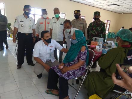 Vaksin Massal di Kalurahan Srigading