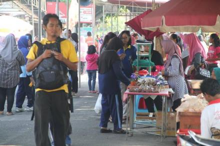 Stand UKM di Murtigading Sunday Morning, 5 Maret 2